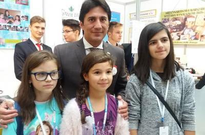 IFIA president with the youngest polish inventors (preliminary school)
